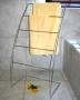 B22 Towel Stand